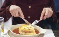 Food o'clock. (sz-m-er.blogspot.com) Tags: porto portugal betterhalf chrumchrum francesinha