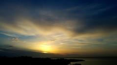 Mar y cielo (☮ Montse;-))) Tags: felizviaje muaaaa tqm nubes mar atardecer