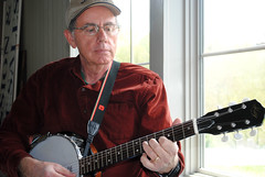 Harrol plays six string banjo (galaxed) Tags: blueridgeparkway blueridgemusiccenter