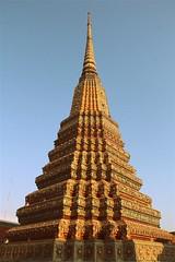 Wat Pho (Dharmesh Thakker) Tags: city sleeping urban architecture canon thailand pagoda buddha live stupa buddhist carving thai wat pho chedi 60d banglok