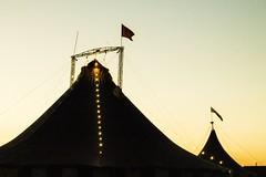 P24-11-12_17.11 (∆ Débora Madaleno) Tags: circo céu anoitecer