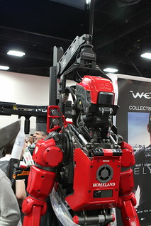 From http://www.flickr.com/photos/25569106@N00/9363592716/: One of Elysium's many robots.