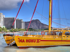 Catamaran and Diamond Head (topendsteve) Tags: beach hawaii boat waikiki oahu head diamond catamaran