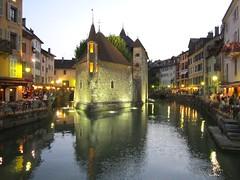 Annecy, quai de l'le (Valerio_D) Tags: france annecy 1001nights francia hautesavoie ruby3 rhnealpes altasavoia abigfave 1001nightsmagiccity ruby10 ruby15 2013estate