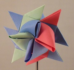 Blue Green Red Points Right (lacecrazy) Tags: paperfolding ltblue paperstrips rosyred ltgreen foursidedstars