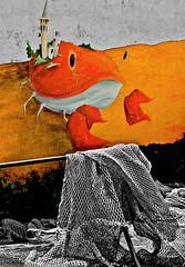 (enricoerriko) Tags: street italien sea blackandwhite bw italy verde art beach club port faro boats mar photo mediterranean mediterraneo italia mare torre foto rotonda via campanile porto fotos ape vela albero acqua murales rosso molo italie marche boomerang poppa lido enrico pescatore piaggio cima adriaticsea adriatico rete corde ferro pegaso timone prua bitta motore marinaio santagostino reti banchina civitanovamarche portocivitanova santomaro pescherecci citanò apetta sanmarone clubvela erriko civitanovese enricoerriko madiere fotodicivitanovamarche