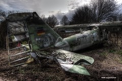 crashed (Michis Bilder) Tags: plane hdr