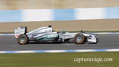 Mercedes W04 - Lewis Hamilton - Curva - Entrenamientos F1 Jerez 2013 (www.capturaviaje.com) Tags: españa david canon mercedes f1 andalucia deporte fone cádiz formula1 franco jerez w04 circuito grimaldi 70300 barrido automovilismo 550d paneo lewishamilton espaã±a cã¡diz dgrimaldi wwwcapturaviajecom capturaviaje