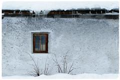 Dicembre ❤ (Augusta Onida) Tags: augustaonida neve snow finestra window valleaurina altoadige ghiaccio ice montagna mountain leicam sudtirol