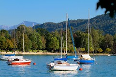 Portschach am Worthersee (austrianpsycho) Tags: lake water boats see wasser carinthia boote segelboote worthersee karnten portschach portschachamworthersee