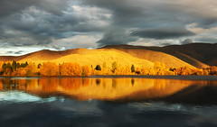Autumn Golden Light (Wolongshan) Tags: