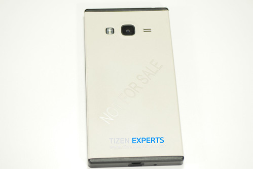 "Samsung-Z3-Developer-Device-TM1-Tizen-Experts-3 • <a style=""font-size:0.8em;"" href=""http://www.flickr.com/photos/108840277@N03/20112669609/"" target=""_blank"">View on Flickr</a>"