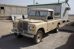 Old Faithful, in good nick ( Sam.Seyffert) Tags: old desert cab middleeast landrover 109 solihull qatar faithful bakkie