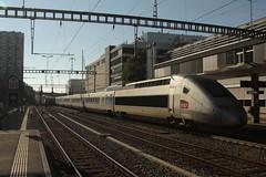 POS TGV 4405 am Bahnhof Bern Bümpliz Nord bei Bern im Kanton Bern in der Schweiz (chrchr_75) Tags: chriguhurnibluemailch christoph hurni schweiz suisse switzerland svizzera suissa swiss kantonbern chrchr chrchr75 chrigu chriguhurni 1309 september 2013 hurni130924 albumbahnenderschweiz2013712 zug train juna zoug trainen tog tren поезд lokomotive паровоз locomotora lok lokomotiv locomotief locomotiva locomotive eisenbahn railway rautatie chemin de fer ferrovia 鉄道 spoorweg железнодорожный centralstation ferroviaria sveitsi sviss スイス zwitserland sveits szwajcaria suíça suiza september2013 bahn schweizer bahnen albumbahntvg tvg grande vitesse franösicher hochgeschwindigkeitszug sncf société nationale des chemins français
