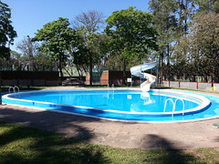 Inicio de temporada de verano en club atltico #Ledesma (Comunidad Ledesma) Tags: summer water pool agua verano pileta papel azucar jujuy calor yungas ledesma 2013 blaquier