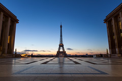 Good morning Paris (espinozr) Tags: autumn paris france fall sunrise nice europe fav50 eiffeltower clear amanecer torreeiffel otoño trocadero francia fav10 despejado fav25 fav100 2013 fav75
