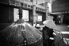 (hale l.) Tags: bw monochrome japan monk nara kansai ricohgr