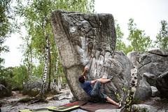 DSC_3318 (Flipthecamera) Tags: boulder climbing font bouldering block fontainebleau escalade bleau