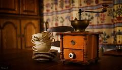 Evening coffee (Yasmine Hens +4 400 000 thx❀) Tags: coffe objets old combinezp focus hensyasmine namur belgium wallonie europa aaa بلجيكا belgique bélgica ベルギー белгия բելգիա belgio 벨기에 belgia бельгия 比利时 bel be