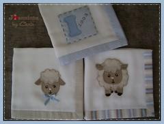 panos de boca (Joanninha by Chris) Tags: feitoamao handmade ovelhinha enxovalmenino panosdeboca azul bege bordado artesanato