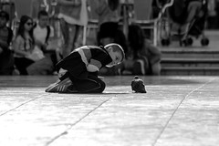 Plaza de la Virgen. Valencia. España (Irina Boldina) Tags: espana spain valencia children boy pigeon photography people street blackandwhite bw blackwhite photo life plaza monochrome moments light streetlife bnw film time travel