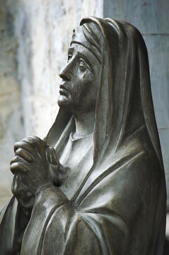 Statue at Basilica de Santo Nino