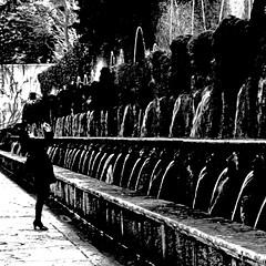 Villa D'este, Tivoli (pom.angers) Tags: canoneos400ddigital february 2017 villadeste tivoli lazio rome roma italia italy europeanunion italianvilla woman fountain 100 150 5000