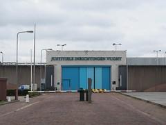 Vught, Lunettenlaan (Stewie1980) Tags: netherlands canon gate nederland powershot prison noordbrabant vught gevangenis sx130 inrichtingen lunettenlaan sx130is canonpowershotsx130is justitiële