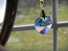 DSCN0839 (Song_sing) Tags: crystal suncatcher coolpix crystalheart