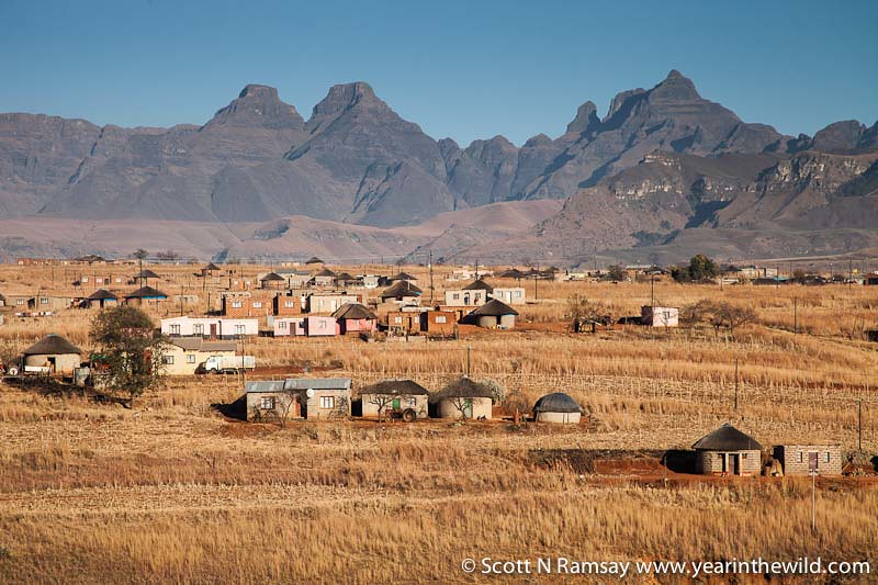 uKhahlamba-Drakensberg - copyright Scott Ramsay - www.yearinthewild.com