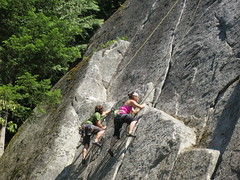 Synchronized climbing (Ruth and Dave) Tags: cliff up rock couple geoff climbing together stepping granite leading provincialpark brigitte climbers synchronized crag smokebluffs tunnelrock msh0214 msh021416