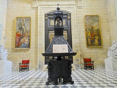 Music stand, Cathedral of San Salvador, Jerez de la Frontera (Stephen Walter) Tags: santiago walking spain europe camino cathedral andalusia cdiz pilgrimage sansalvador musicstand jerezdelafrontera longdistancewalking religiousfurniture viaaugusta