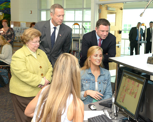 Highlighting Broadband Access at Kent Island High School