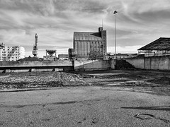 Port de Ble (anarchitecte) Tags: port noiretblanc harbour basel silo hafen ble dreilndereck lgg2