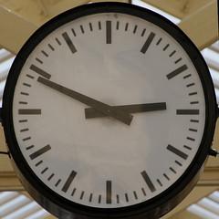 clock (Leo Reynolds) Tags: clock canon eos time 7d squaredcircle f80 iso160 0004sec hpexif 184mm clockmosaic xleol30x xclockx sqset100 clockmosaic06 xxx2013xxx