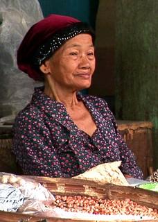 Indonesia - Java - Yogyakarta - Woman On Market - 3