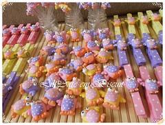 DSCN2904 (Lili Arte em biscuit) Tags: rosa amarelo biscuit coruja lápis lilás prendedor grampo aplique fecha pregador corujinha ponteira