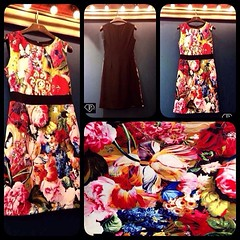 เดรสแขนกุดพิมพ์ลายลายดอกไม้กับผีเสื้อ งานแบรนด์ Love & Girl ดีเทลลายชัดเจนทุกจุดเห็นเป็นดอกๆหลายพันธ์หลายสี โดดเด่นด้วยผีเสื้อกำลังบินดมดอกไม้ ราวกับภาพเคลื่อนไหว คาดเอวสีดำทำให้เอวคอดหุ่นดี ด้านหลังพื้นดำสีสันสดใสโดดเด่นกว่าใครคะ  **งาน Best Quality รับป