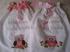Saquinhos para Roupas de Beb (Atelier Mimos da Fau) Tags: beb contas corujas fita roupas aplicao botes saquinhos patchcolagem bordadoamo apliqu bordadoamquina roupaslimpas patchaplique roupassujas