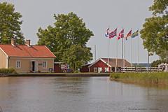 Gta (Leifskandsen) Tags: camera travel vacation house building water canon living sweden flag locks scandinavia waterway sluser sjtorp leifskandsen gtakanal gtacanal skandsenimages ilobsterit