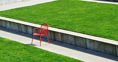Olympic Sculture Park - Weiss Manfredi (geldmond) Tags: seattle park parque garden rojo chair esculturas jardin silla sculture olympic weiss seaface manfredi