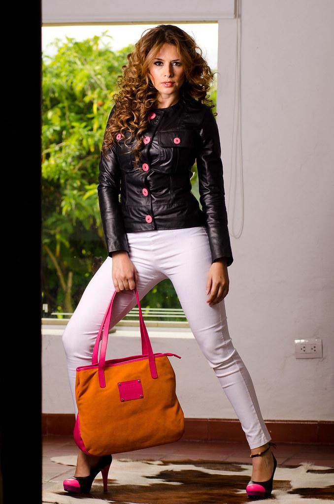 43f954cd632 La Julieta - Photoshoot (mauvar2011) Tags  fashion colombia moda modelo  lorena botas cuero