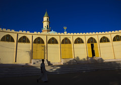 The Grand Mosque, Keren, Eritrea (Eric Lafforgue) Tags: africa people color colo