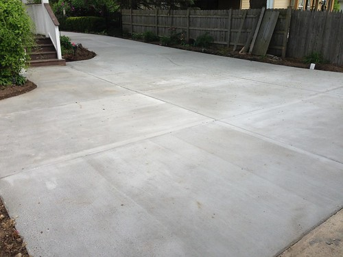 "Concrete driveway • <a style=""font-size:0.8em;"" href=""http://www.flickr.com/photos/76775226@N06/9352755664/"" target=""_blank"">View on Flickr</a>"