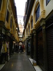 Granada-Alcaicera mercado de artesania 02 (Rafael Gomez - http://micamara.es) Tags: espaa de ciudad mercado granada artesania alcaiceria