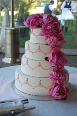 """""""My Funny Valentine"""" a 'Simply Elegant' Design by Sweet Thea (Sweet Thea) Tags: weddingcake myfunnyvalentine simplyelegant realcake"""