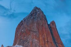 Sunrise at Fitz Roy (mcvmjr1971) Tags: travel parque mountain argentina roy rock d50 los nikon fitzroy el nikond50 pico nacional fitz rocha chalten glaciares elchalten cume parquenacionallosglaciares sunrisered cumepico
