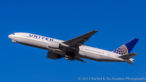 United Airlines - N229UA