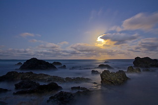 MOONRISE OVER OXLEY BEACH
