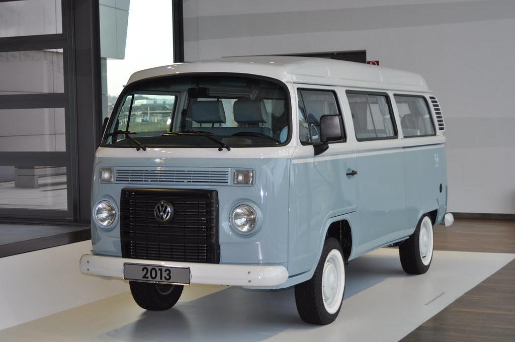 a175eabb097f2e Volkswagen do Brasil Kombi T2 (2013) 56 anos Kombi last edition (Transaxle (
